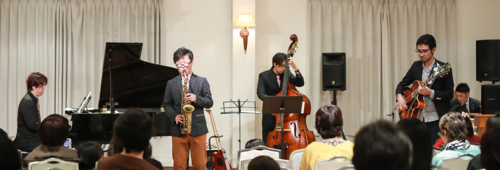 岐阜で出張演奏